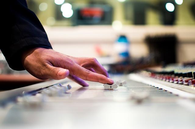 trap music mixing desk