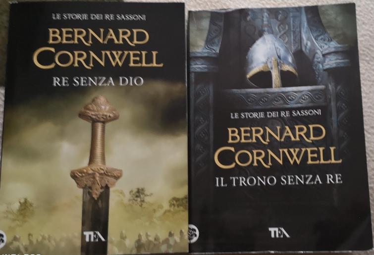 Re Senza Dio e Il Trono Senza Re di Cornwell